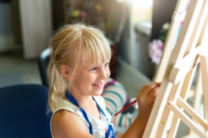 Child painting for art therapy.